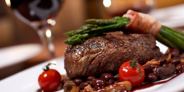 grilled beef with tomato and beans
